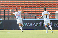 MEDELLÍN -COLOMBIA-25-08-2013. Juan David Cabezas de Once Caldas celebra un gol en contra de Medellin durante partido de la fecha 6 de la Liga Postobón II 2013 jugado en el estadio Atanasio Girardot de la ciudad de Medellín./ Once Caldas Juan David Cabezas celebrates a goal against Medellin during match on the 6th date of the Postobon League II 2013 at Atanasio Girardot stadium in Medellin city.  Photo:VizzorImage/Luis Ríos/STR
