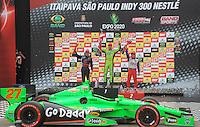 SAO PAULO SP, 05 Maio 2013 - Formula Indy  -   Corrida Itaipava São Paulo Indy 300 Nestlé no autódromo de rua do Anhembi na zona norte de Sao Paulo, neste domingo , 05. na foto o vencedor da prova James Hinchcliffe  (FOTO: ALAN MORICI / BRAZIL PHOTO PRESS).
