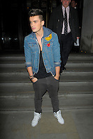 NON EXCLUSIVE PICTURE: MATRIXPICTURES.CO.UK.PLEASE CREDIT ALL USES..WORLD RIGHTS..Josh Cuthbert of X Factor boy band Union J is spotted being greeted by fans while arriving at London's Corinthia Hotel...NOVEMBER 7th 2012..REF: AHT 125126