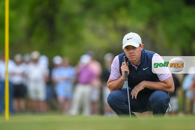 Rory McIlroy (NIR) looks over his putt on 1 during day 3 of the WGC Dell Match Play, at the Austin Country Club, Austin, Texas, USA. 3/29/2019.<br /> Picture: Golffile | Ken Murray<br /> <br /> <br /> All photo usage must carry mandatory copyright credit (© Golffile | Ken Murray)