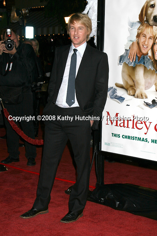 "Owen Wilson arriving at the ""Marley & Me"" World Premiere at the Mann's Village Theater  in Westwood, CA  on December 11, 2008.©2008 Kathy Hutchins / Hutchins Photo....                ."