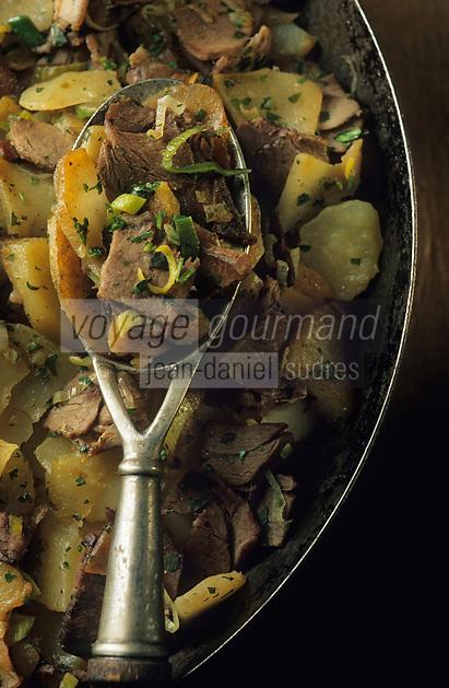 "Europe/Autriche/Tyrol/Innsbruck: Gasthof ""Weisses Roessl"" - Recette traditionnel de cerf aux pommes de terre"