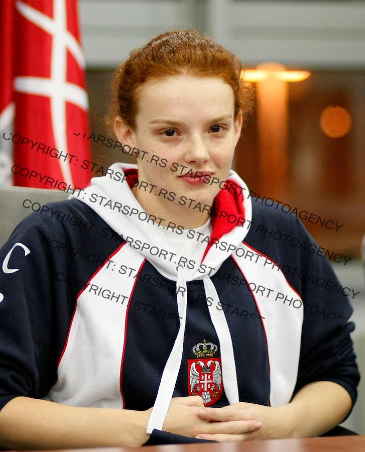 Plivanje, .docek na aerodromu Srpskih plivaca sa Evropskog prvenstva u malim bazenima.Istanbul 2009.Beograd, 14.12.2009..foto: Srdjan Stevanovic/Starsportphoto ©