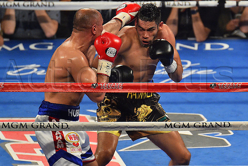 09.04.2016. Las Vegas, Nevada, USA. Gilberto Ramirez (R) (Mex) defends during the Abraham versus Ramirez WBO Super Middleweight World Championship fight in the MGM Grand Garden Arena at the MGM Grand Hotel and Casino in Las Vegas, Nevada. Gilberto Ramirez defeated Arthur Abraham by unanimous decision.