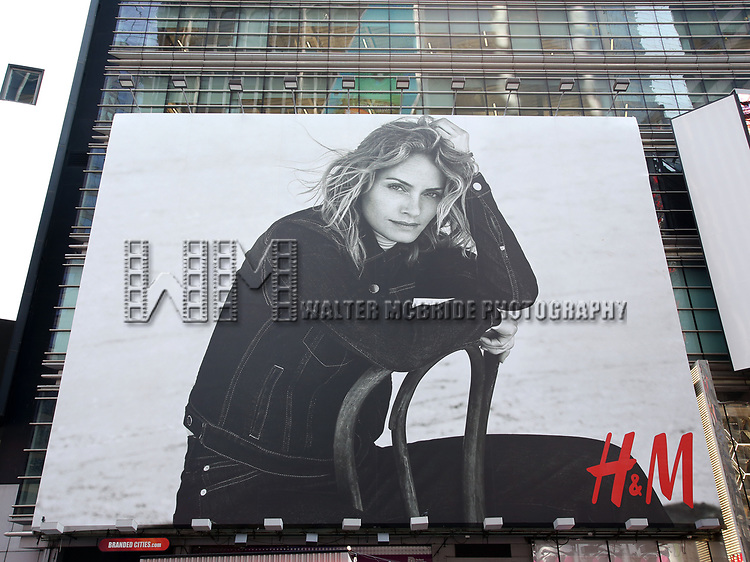 Times Square Billboard of Lauren Hutton in the H&M's Autumn Fashion campaign on September 17, 2018 at H&M Times Square in New York City.