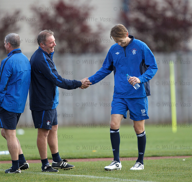 Ally McCoist grips and grins with Mr Stylistic
