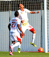 ENVIGADO-COLOMBIA- 23-02-2017. Luis Páez jugador del Rionegro celebra su gol contra el Envigado FC.Acción de juego entre el Envigado FC y el Rionegro FC durante encuentro  por la fecha 5 de la Liga Aguila I 2017 disputado en el estadio Polideportivo Sur./ Luis Paez player of Rionegro Fc celebrates his goal against Envigado Fc.Action game between  Envigado FC and Rionegro FC during match for the date 5 of the Aguila League I 2017 played at Polideportivo Sur stadium . Photo:VizzorImage / León Monsalve / Contribuidor
