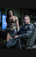 Justice League (2017) <br /> GAL GADOT, BEN AFFLECK<br /> *Filmstill - Editorial Use Only*<br /> CAP/FB<br /> Image supplied by Capital Pictures