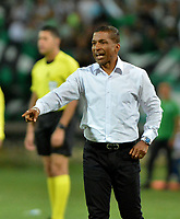 MEDELLÍN - COLOMBIA, 30-03-2019: Alexis García, técnico de Deportivo Pasto, durante partido de la fecha 12 entre Atlético Nacional y Deportivo Pasto, por la Liga Águila I 2019, jugado en el estadio Atanasio Girardot de la ciudad de Medellín.  / Alexis García, coach of Deportivo Pasto, during a match of the 12th date between Atletico Nacional and Deportivo Pasto for the Aguila League I 2019, played at Atanasio Girardot stadium in Medellin city. Photo: VizzorImage / León Monsalve / Cont.