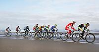 Nederland  Scheveningen 2016. Kurhaus Beachride Classic ( Beach Series ). Mountainbike wedstrijd van Scheveningen naar Noordwijk en weer terug.  Foto Berlinda van Dam / Hollandse Hoogte