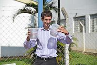 PIRACICABA,SP,30.04.2015 - DENGUE-SP - A empresa Oxitec e o município de Piracicaba fizeram uma parceria para combate ao mosquito da dengue com o projeto: Aedes aegypti do Bem, aonde são soltos mosquitos machos estéreis. É a primeira cidade no estado de São Paulo a utilizar esses sistema, nesta quinta-feira, 30. (Foto: Mauricio Bento/Brazil Photo Press)