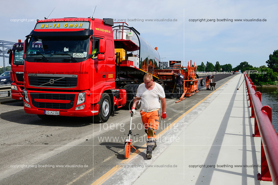 GERMANY, Hamburg, Europe bridge, highway A253 road construction and asphalting with macine