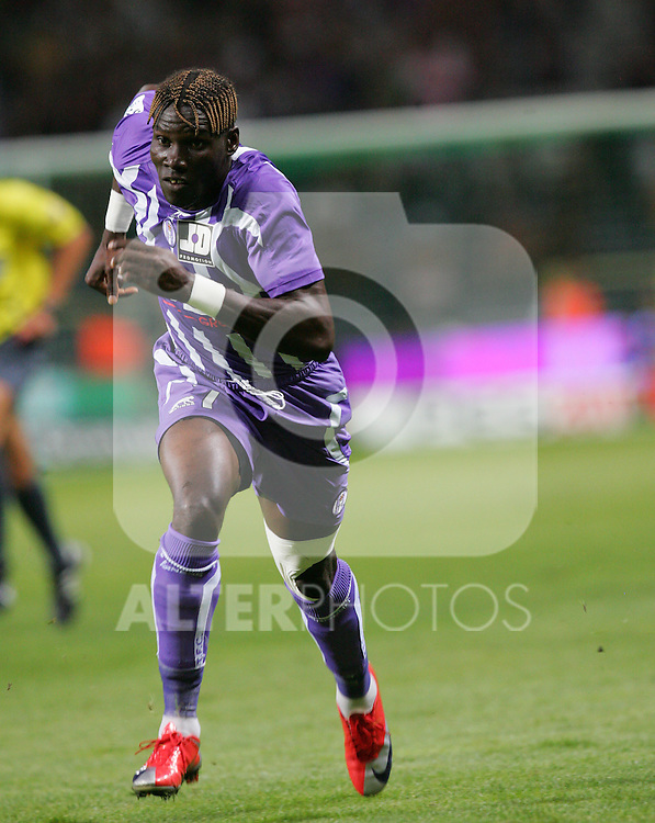 Fode Masare in action for Toulouse in the second half. Toulouse v Saint Etienne (3-1), 2eme Journee, Ligue 1 2009/2010, Stade Municipal, Toulouse, France, 15th August 2009.