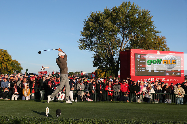 Henrik Stenson (Team Europe) drives down the second during the Saturday Morning Foursomes, at the 41st Ryder Cup 2016, at Hazeltine National Golf Club, Minnesota, USA.  01View of the 10th2016. Picture: David Lloyd | Golffile.