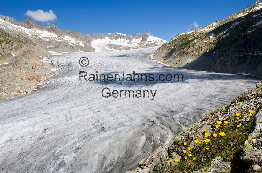 Switzerland, Canton Valais, Rhone Glacier with Gaerstenhoerner mountains above Furka Pass Road
