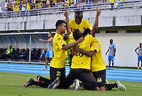 BARRANCABERMEJA -COLOMBIA, 21-10-2016:  Jugadores de Alianza Petrolera celebran el segundo gol de su equipo anotado por Roger M. Torres a Jaguares FC durante encuentro válido por la fecha 17 de la Liga Aguila II 2016 disputado en el estadio Daniel Villa Zapata de la ciudad de Barrancabermeja.  /Players of Alianza Petrolera celebrate the second goal scored by Roger M. Torres to Jaguares FC during match valid for the date 17 of the Aguila League II 2016 played at Daniel Villa Zapata stadium in Barrancabermeja city. Photo: VizzorImage / Jose Martinez / Cont