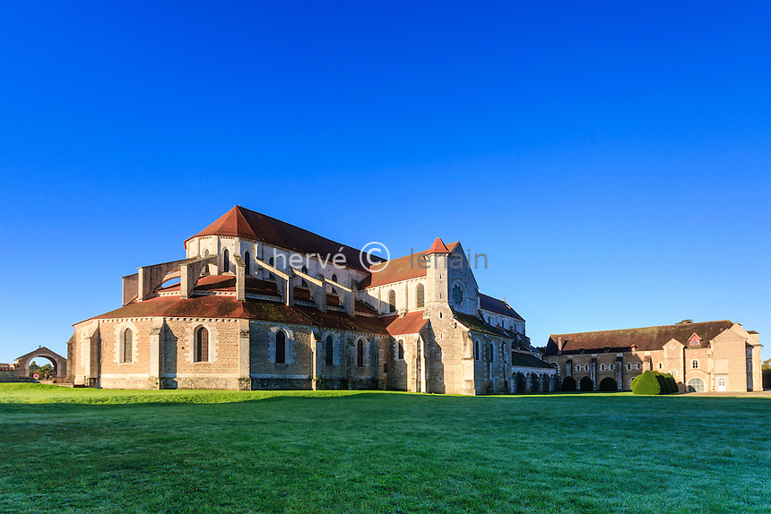 France, Yonne(89), Pontigny, abbaye cistercienne de Pontigny, église abbatiale // France, Yonne, Pontigny, Cistercian abbey of Pontigny, the church