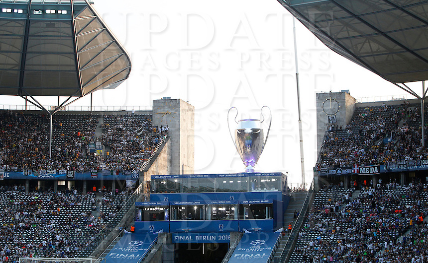 Calcio, finale di Champions League Juventus vs Barcellona all'Olympiastadion di Berlino, 6 giugno 2015.<br /> A glimpse of  the Olympiastadion prior to the start of the Champions League football final between Juventus Turin and FC Barcelona, in Berlin's, 6 June 2015.<br /> UPDATE IMAGES PRESS/Isabella Bonotto
