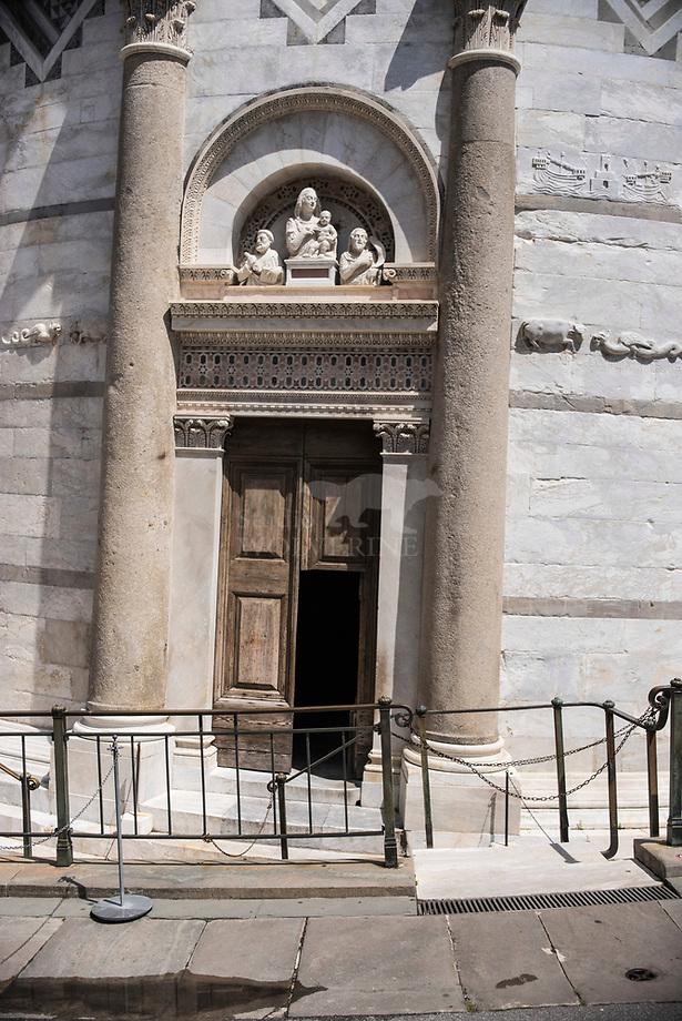 Ingang, toren van Pisa, Italie