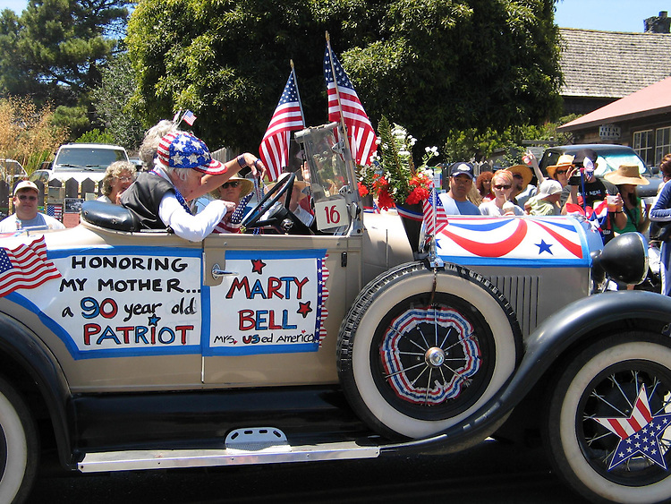 Mendocino Village fourth of july parade