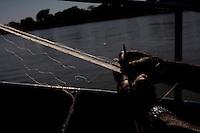 Ibiai_MG, Brasil...Rio Sao Francisco, o rio da integracao nacional. Na foto, pesca no rio...The Sao Francisco river, It is an important river for Brazil, called the river of national integration. In this photo, the fishing in the river...Foto: LEO DRUMOND / NITRO
