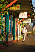 Walking and browsing through shops in downtown Paia