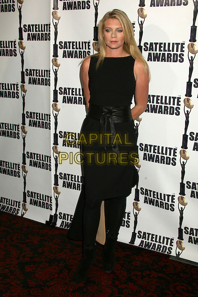 PETA WILSON.11th Annual Satellite Awards by the International Press Academy at Le Méridian, Beverly Hills, California, USA.December 17th, 2006.full length dress black sleeveless.CAP/ADM/BP.©Byron Purvis/AdMedia/Capital Pictures