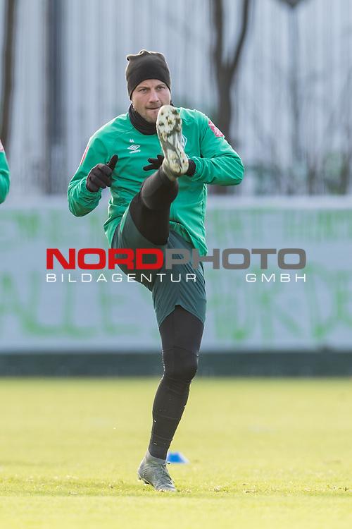 30.11.2019, Trainingsgelaende am wohninvest WESERSTADION, Bremen, GER, 1.FBL, Training SV Werder Bremen<br /> <br /> im Bild<br /> Philipp Bargfrede (Werder Bremen #44), <br /> <br /> Foto © nordphoto / Ewert