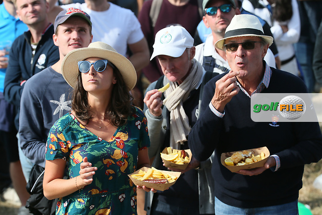 Chips during Friday's Fourballs, at the Ryder Cup, Le Golf National, Îls-de-France, France. 28/09/2018.<br /> Picture David Lloyd / Golffile.ie<br /> <br /> All photo usage must carry mandatory copyright credit (© Golffile | David Lloyd)