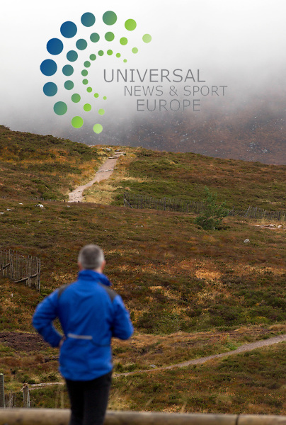 The Cairngorm Mountain, Cairngorm Mountain Ranger Service is continuing to advise walkers and climbers.<br /> Picture: Universal News And Sport (Europe) 16 October  2014.