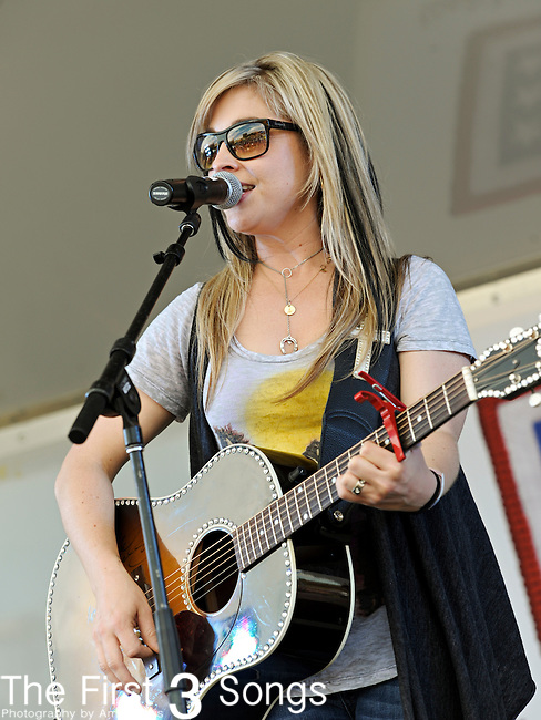 Sunny Sweeney performs during the ACM / USO Concert Event on Nellis Air Force Base in Las Vegas, Nevada on April 2, 2011.