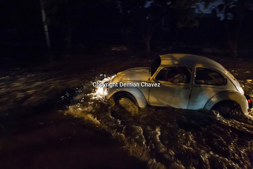 Inundaciones y encharcamientos se presentaron la noche de este sábado 11 de junio en la capital del estado de Querétaro.