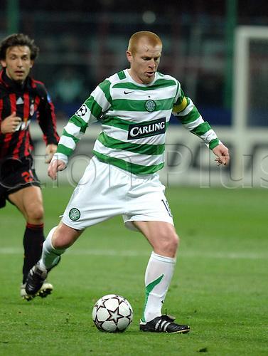 07.03.2007 Neil Lennon (Celtic Glasgow) on the Ball
