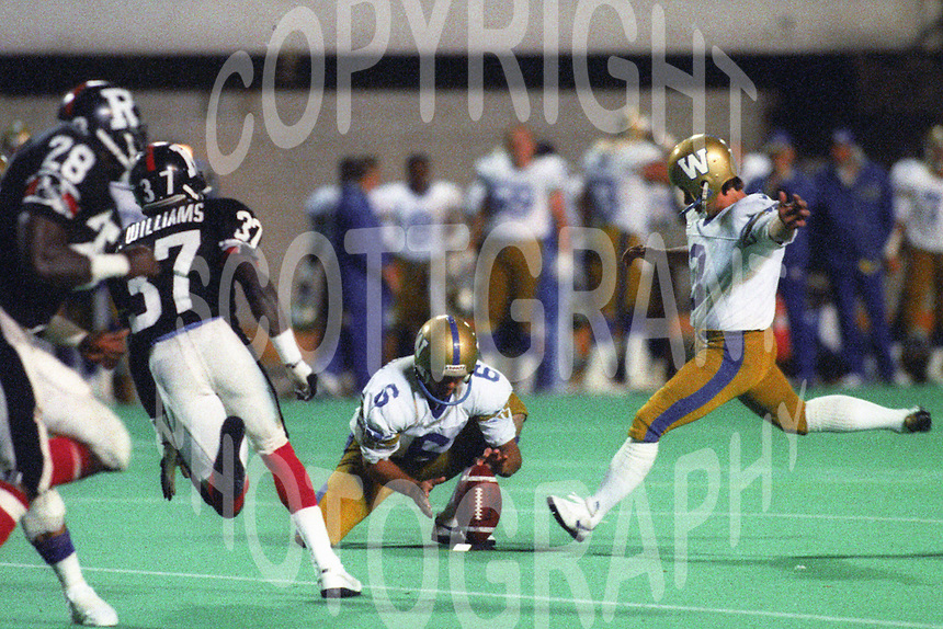 Trevor Kennerd Winnipeg Blue Bombers 1987. Photo F. Scott Grant