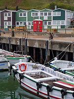 Hummerbuden und Börteboote im Binnenhafen, Unterland, Insel Helgoland, Schleswig-Holstein, Deutschland, Europa, immaterielles Weltkulturerbe<br /> Lobster shacks and Börteboots, inland harbor, Unterland,  Helgoland island, district Pinneberg, Schleswig-Holstein, Germany, Europe, intangible world heritage
