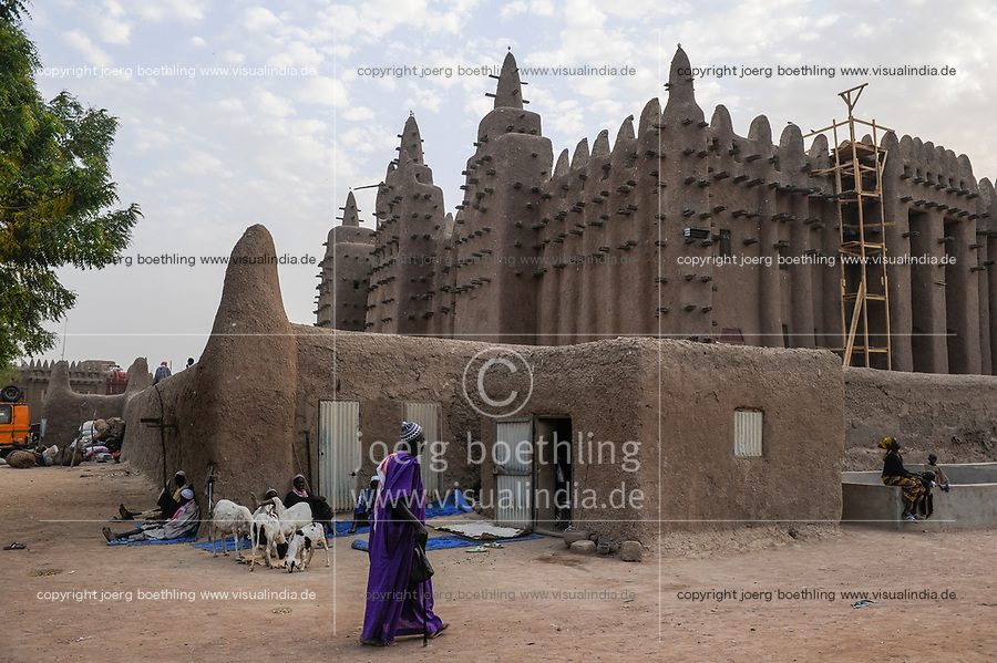MALI, Djenne , Grand Mosque built from clay is a UNESCO world heritage site / MALI, Djenne , Grosse Moschee gebaut aus Lehm ist UNESCO Weltkulturerbe