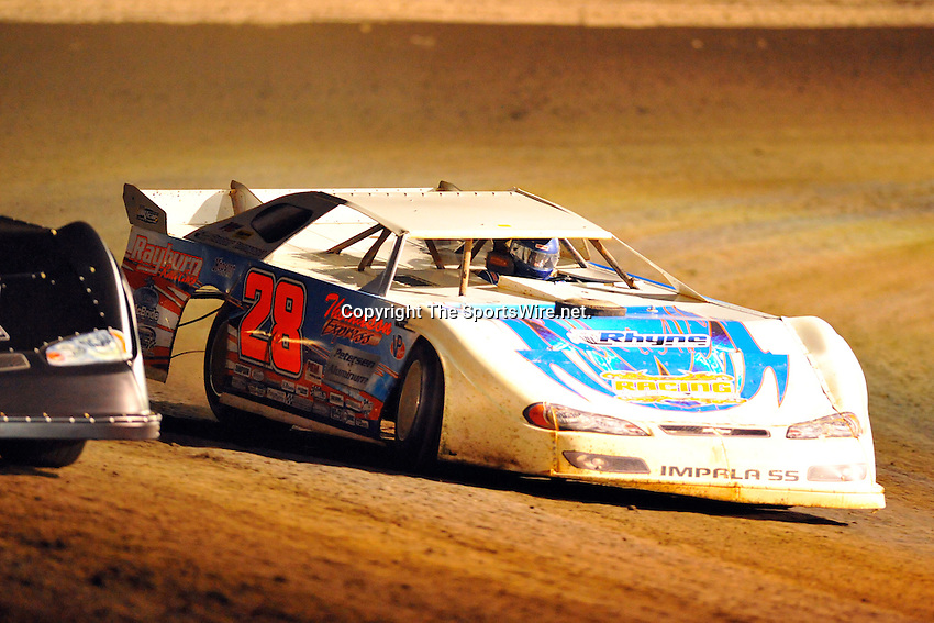 Feb 09, 2009; 7:23:17 PM; Barberville, FL, USA; UMP DIRTcar Racing Series for the 38th Annual ALLTEL DIRTcar Nationals by UNOH at Volusia Speedway Park.  Mandatory Credit: (thesportswire.net)