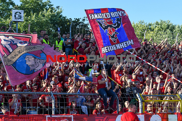 10.08.2019, Donaustadion, Ulm, GER, DFB Pokal, SSV Ulm 1846 Fussball vs 1. FC Heidenheim, <br /> DFL REGULATIONS PROHIBIT ANY USE OF PHOTOGRAPHS AS IMAGE SEQUENCES AND/OR QUASI-VIDEO, <br /> im Bild Fankurve Heidenheim, Gaesteblock<br /> <br /> Foto © nordphoto / Hafner