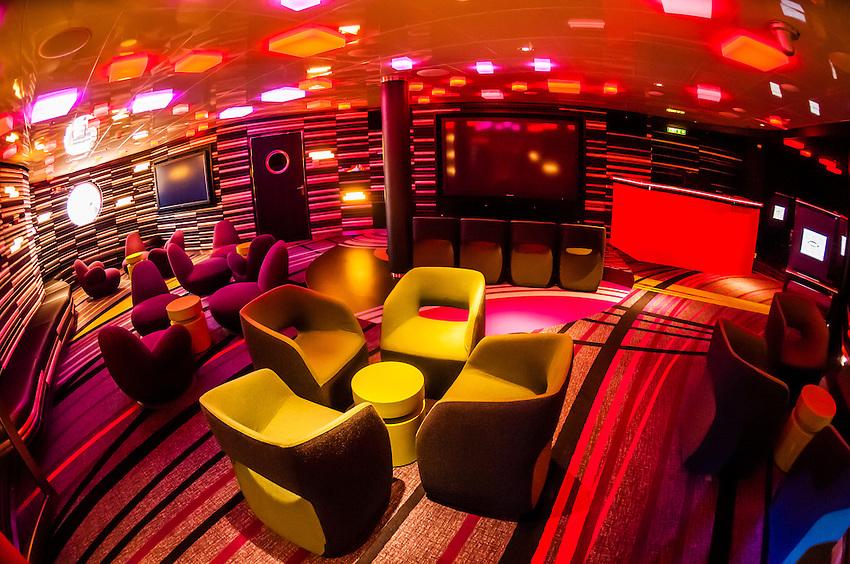 Vibe Teen Club On The New Disney Dream Cruise Ship