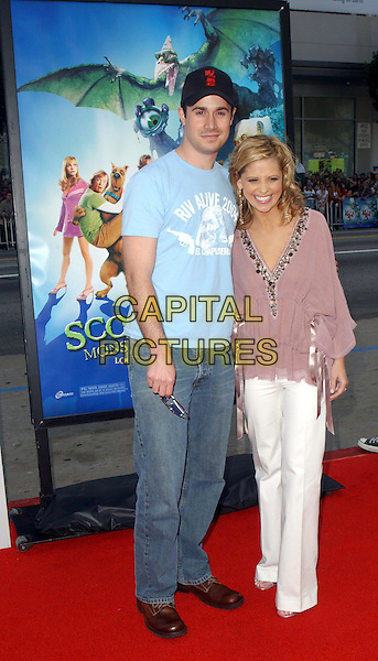 FREDDIE PRINZE JR. & SARAH MICHELLE GELLAR.Scooby-Doo 2 Monsters Unleashed World Premiere held at The Grauman's Chinese Theatre in Hollywood, California .20 March 2004.*UK Sales Only*.full length, full-length.www.capitalpictures.com.sales@capitalpictures.com.©Capital Pictures.