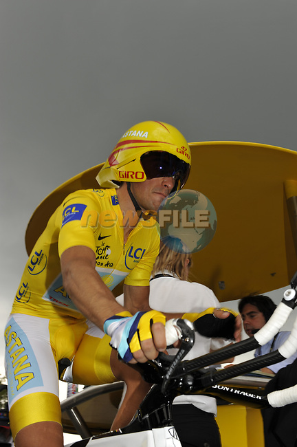 Race leader Yellow Jersey Alberto Contador (ESP) Astana prepares to start Stage 18 of the Tour de France 2009 an individual time trial running 40.5km around Lake Annecy, France. 23rd July 2009 (Photo by Eoin Clarke/NEWSFILE)