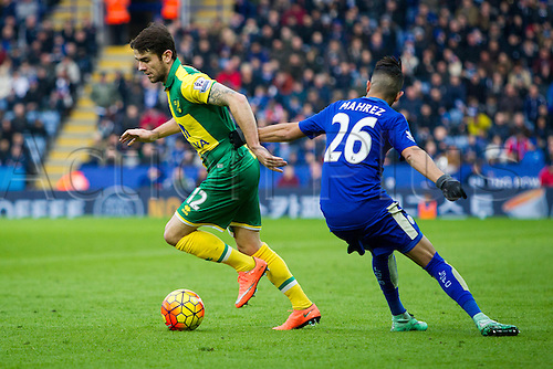 27.02.2016. King Power Stadium, Leicester, England. Barclays Premier League. Leicester City versus Norwich City. Robbie Brady of Norwich City beats Riyad Mahrez of Leicester City.