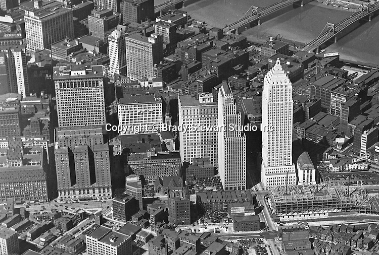 Pittsburgh PA:  View of the new Gulf Building, Koppers Buildings and construction of the Post Office & Federal Courts bullding - 1932
