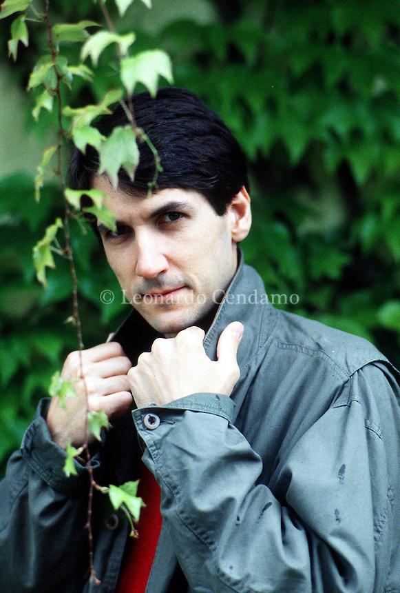 2000: ANDREA CANOBBIO, WRITER © Leonardo Cendamo