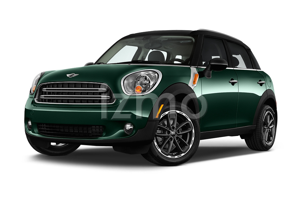 Stock pictures of low aggressive front three quarter view of 2016 MINI Countryman Countryman 5 Door Hatchback Low Aggressive