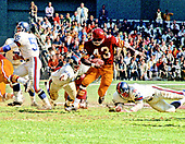 Washington Redskins running back Larry Brown (43) carries the ball during the game against the New York Giants at RFK Stadium in Washington, D.C. on October 19, 1969.  The Redskins won the game 20 - 14.<br /> Credit: Arnie Sachs / CNP