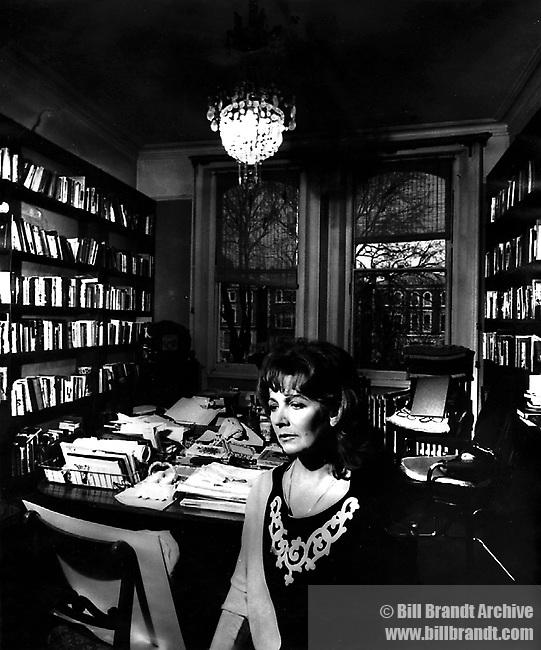 Edna O'Brien, 1980