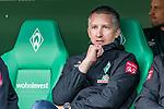 02.11.2019, wohninvest WESERSTADION, Bremen, GER, 1.FBL, Werder Bremen vs SC Freiburg<br /><br />DFL REGULATIONS PROHIBIT ANY USE OF PHOTOGRAPHS AS IMAGE SEQUENCES AND/OR QUASI-VIDEO.<br /><br />im Bild / picture shows<br />Frank Baumann (Geschäftsführer Fußball Werder Bremen) auf der Bank, <br /><br />Foto © nordphoto / Ewert