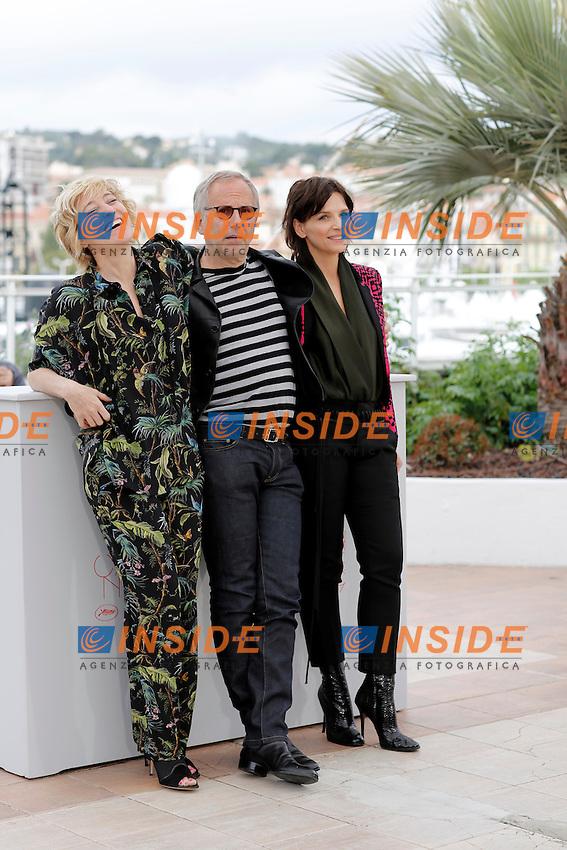 Valeria Bruni-Tedeschi, Luchini, Juliette Binoche<br /> Festival di Cannes 2016 <br /> Foto Panoramic / Insidefoto