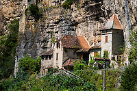 France, Cabrerets. Village at the foot of the Rochecourbe cliffs.